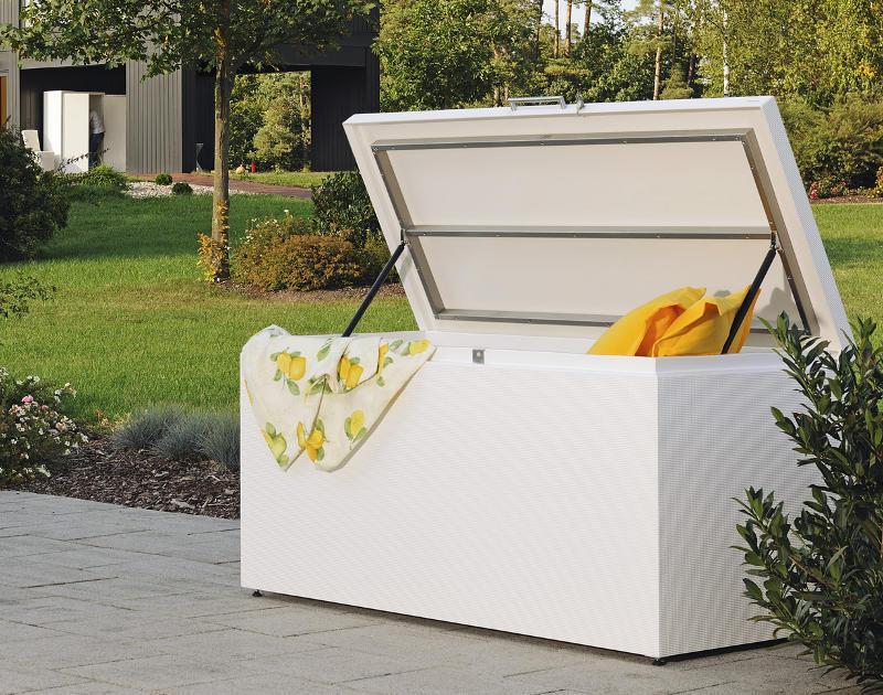 kissentruhe cubic basic herrenhaus terrassenm bel. Black Bedroom Furniture Sets. Home Design Ideas